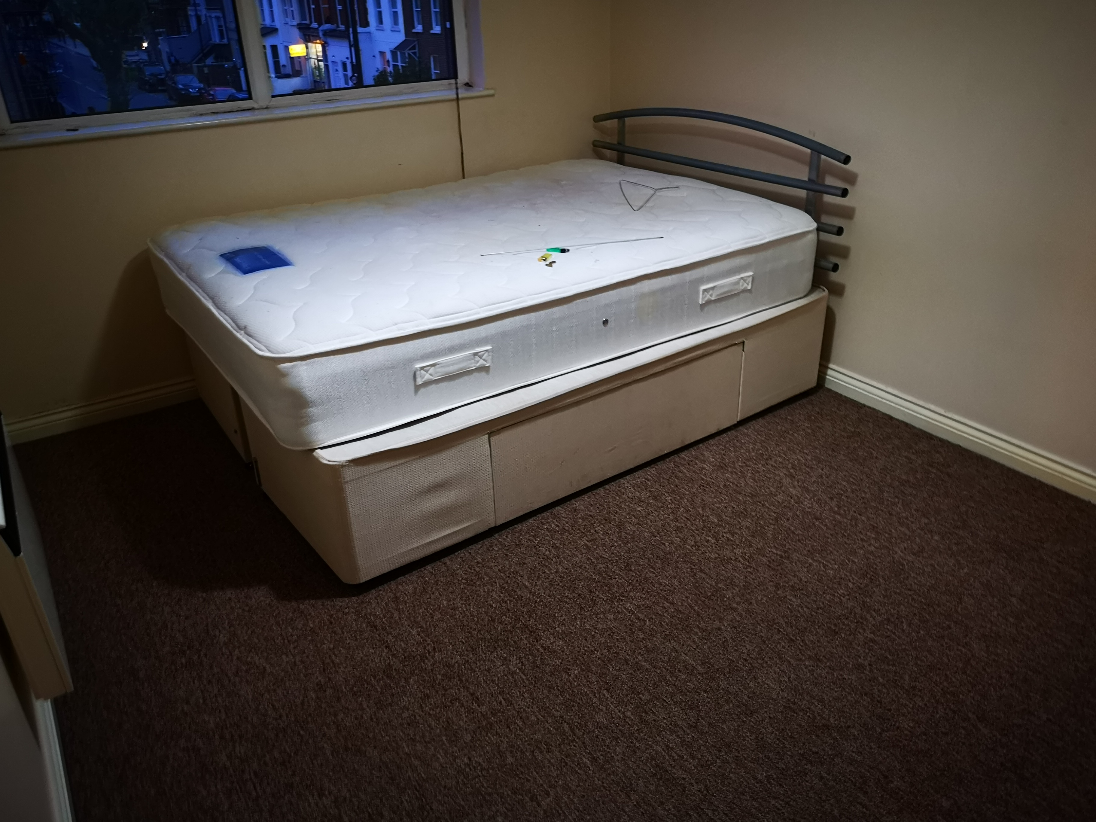 bedroom and carpet cleaning